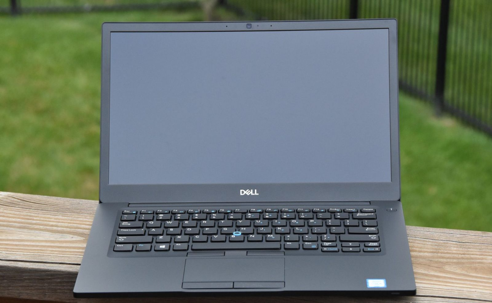 Kết nối cổng Dell Latitude E7490 đa dạng