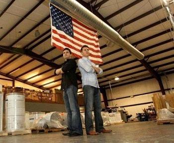 Chuyện hai chàng trai biến một chiếc máy in cũ thành doanh nghiệp trị giá 25 triệu USD