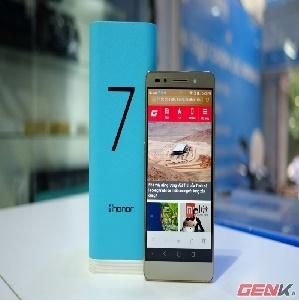 Cận cảnh smartphone Huawei Honor 7 đầu tiên tại Việt Nam