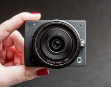 E1 Camera: Máy ảnh 4K có thể thay ống kính nhỏ nhất thế giới