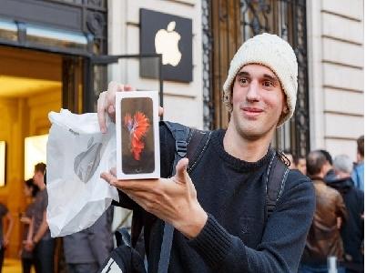 Nhìn lại toàn cảnh thế giới trong ngày đầu mở bán iPhone 6s