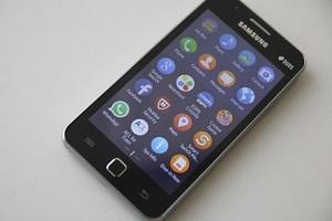Smartphone Tizen đắt hàng hơn cả siêu phẩm Galaxy S6