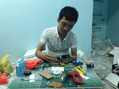 """Tận mắt """"công xưởng"""" chế tạo điều hòa giá 350 nghìn tại Hà Nội"""
