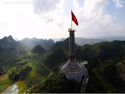 Việt Nam, những thành phố hiện đại và thiên nhiên hùng vĩ qua góc nhìn Flycam