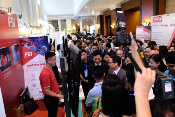 Diễn đàn công nghệ cấp cao Vietnam ICT summit 2019
