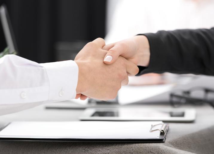 Công ty in bao bì uy tín có cần cam kết rõ ràng giữa hai bên