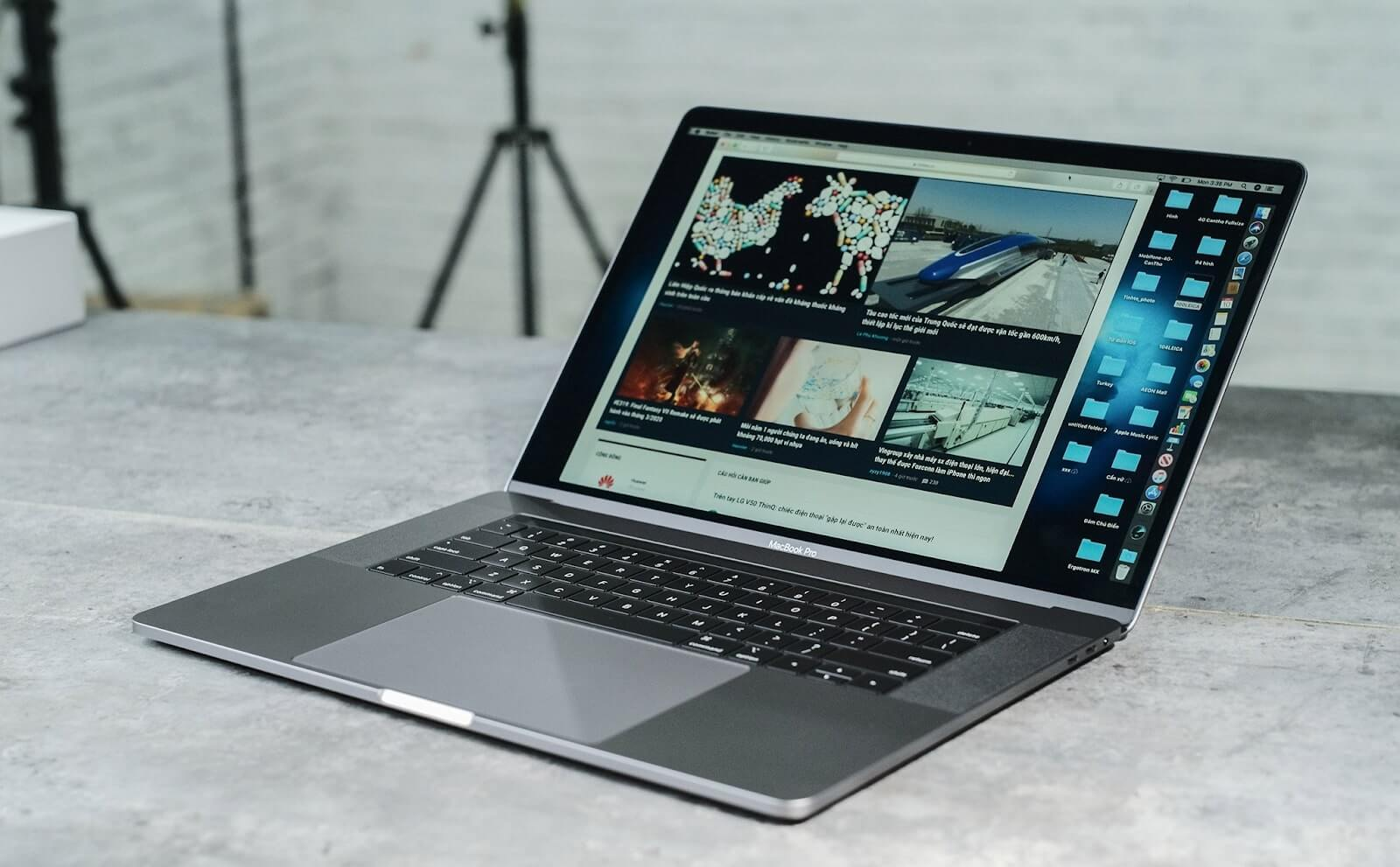 macbook pro 13 làm đồ họa