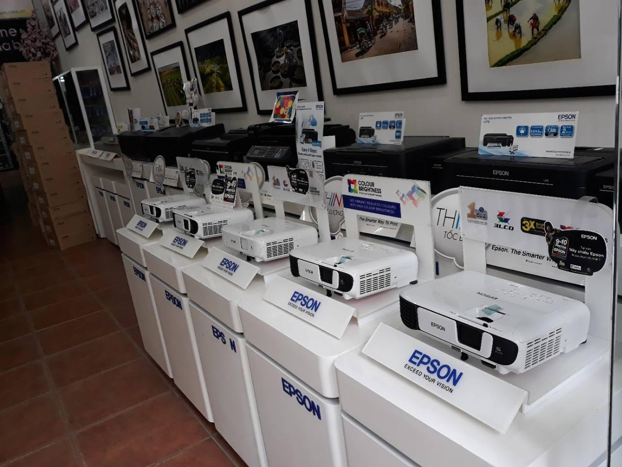 mua máy chiếu epson tại hcm