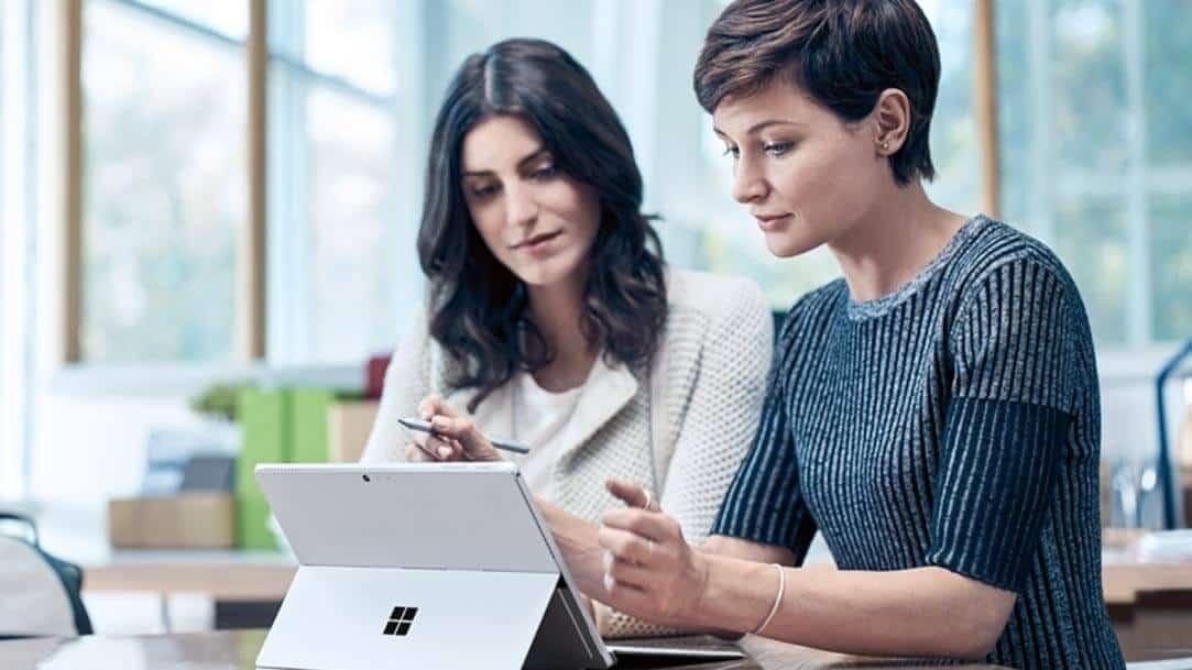 Surface Pro 6 kết hợp giữa sự mạnh mẽ và linh hoạt