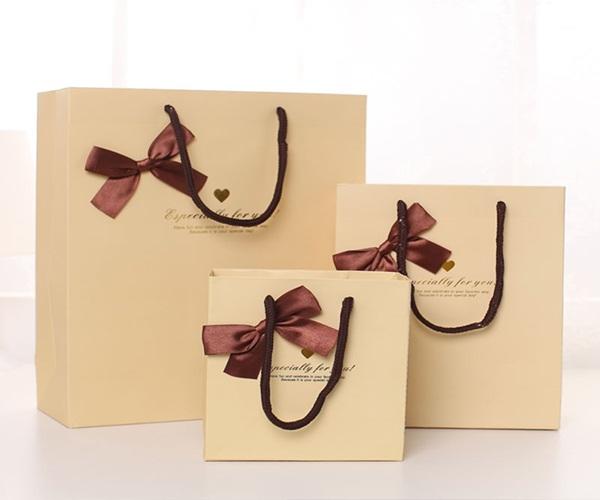 Túi quà cho người thân yêu ưu tiên sự đơn giản